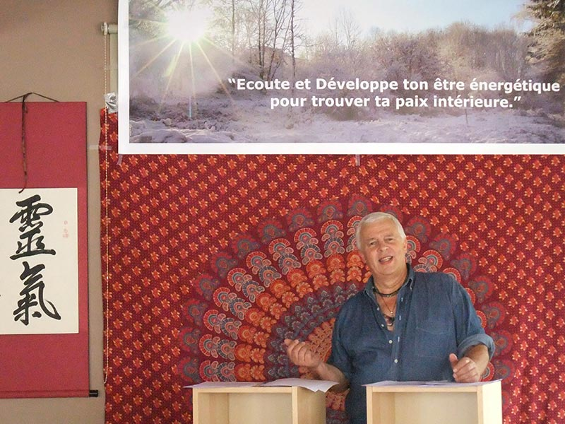 Claude Thumelaire donnant une formation